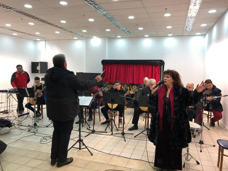 Χριστουγεννιάτικη συναυλία από την Κιθαριστική Ορχήστρα Βόλου – Μαγνησίας στη στοά του Old City